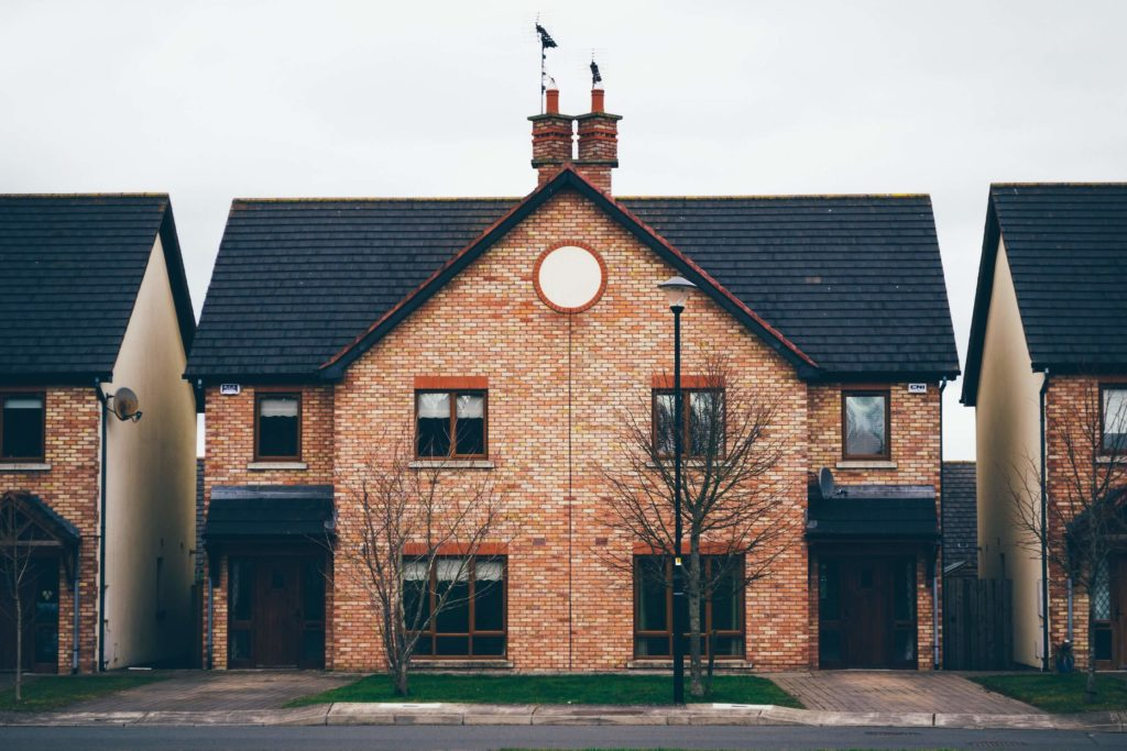 The ceiling has a crack in it: women in property investment - Blogspark Post